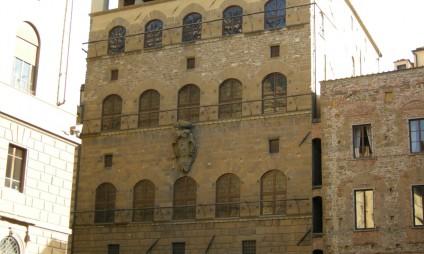Quer conhecer um pedaço de Florença Medieval?