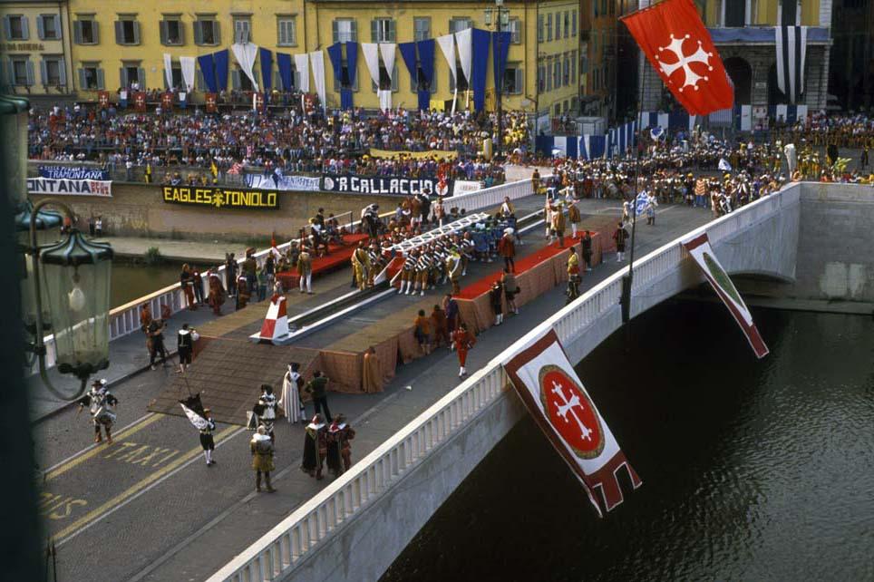 Gioco del Ponte Festival in Pisa