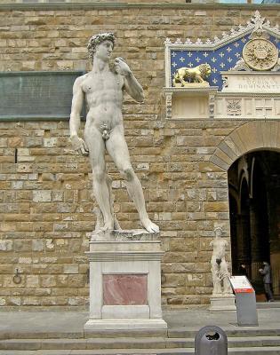 italy florence david in the piazza della signoria 236 400 236x300