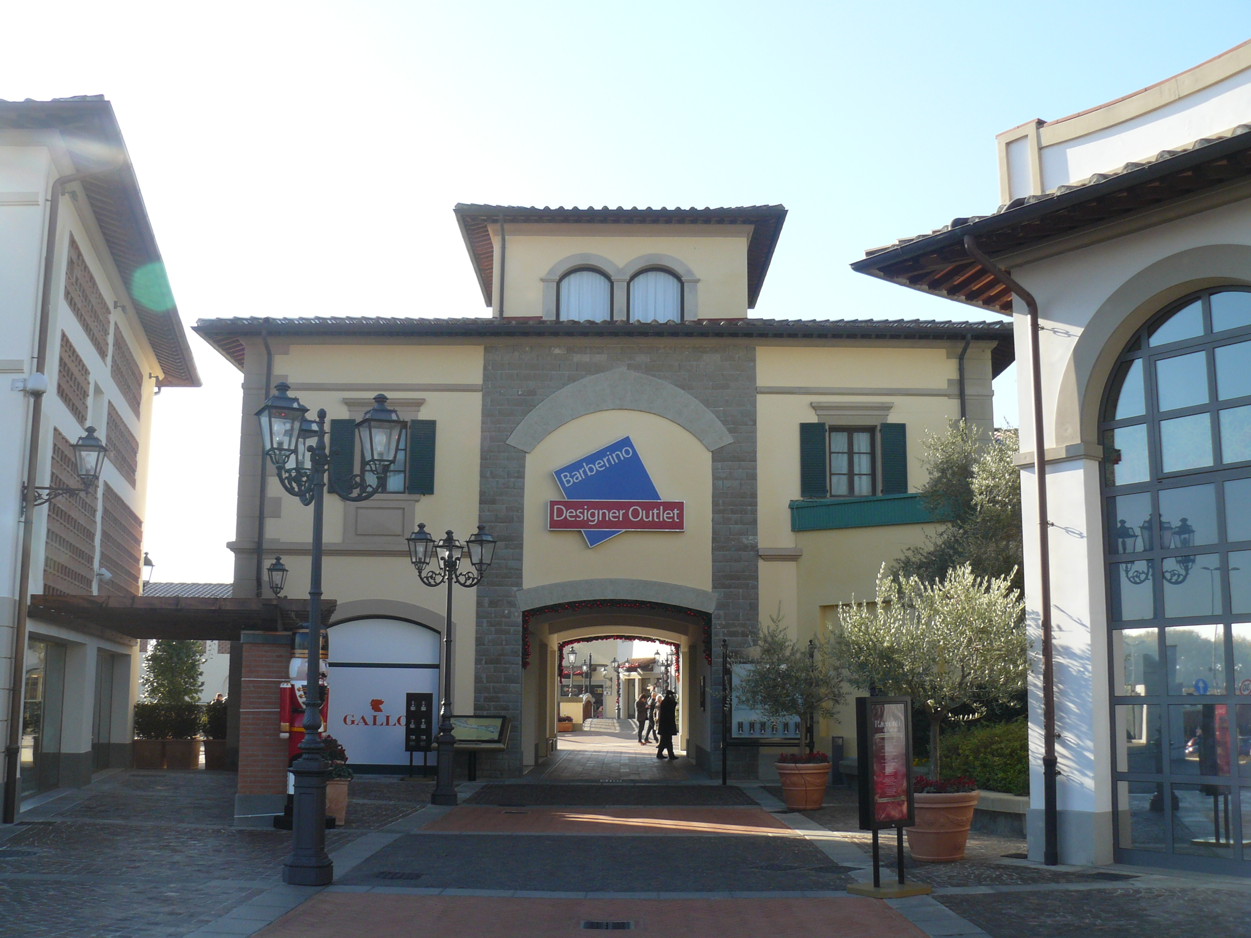 Outlet In Toscana - Amazing Design Ideas - luxsee.us