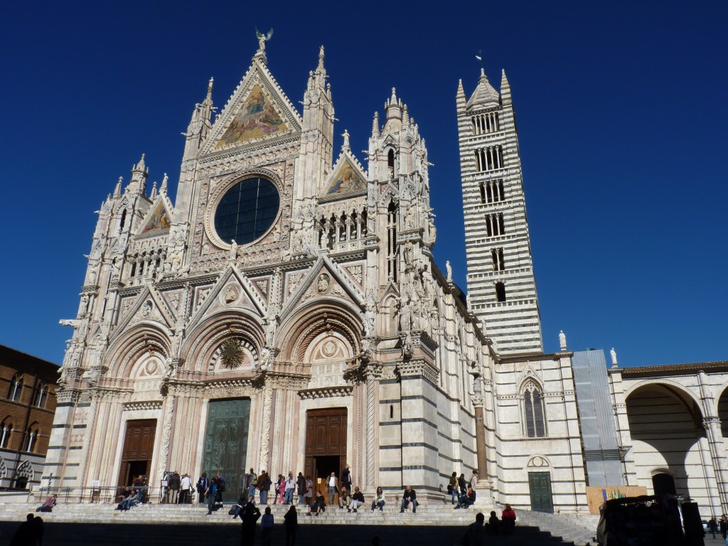 File-_The_facade_of_the_Cathedral_in_Siena
