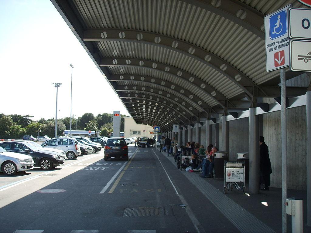 1024px-Aeroporto_di_firenze_02