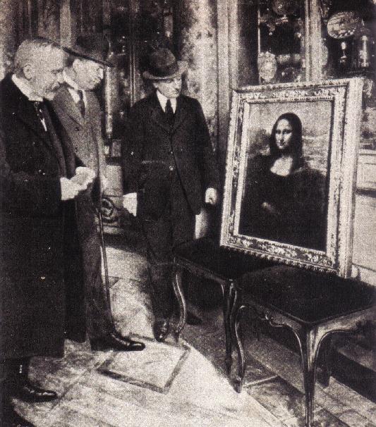 Mona Lisa no Uffizi, mostrada pelo Diretor do Uffizi que chamou a Policia