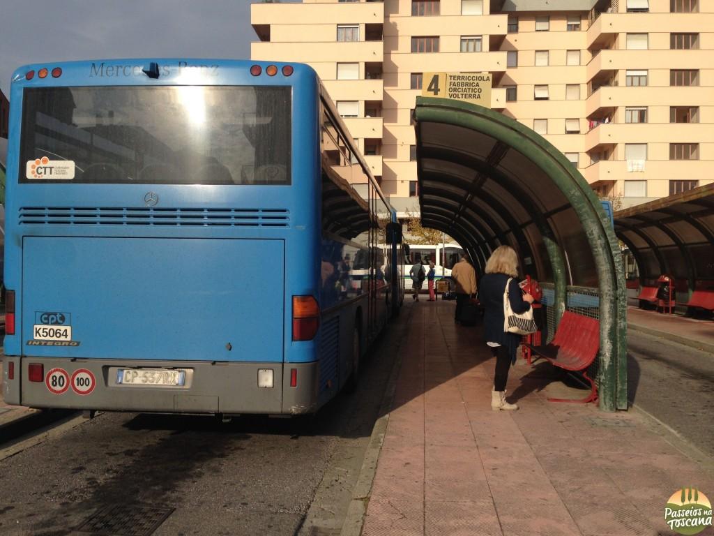 ônibus para Volterra