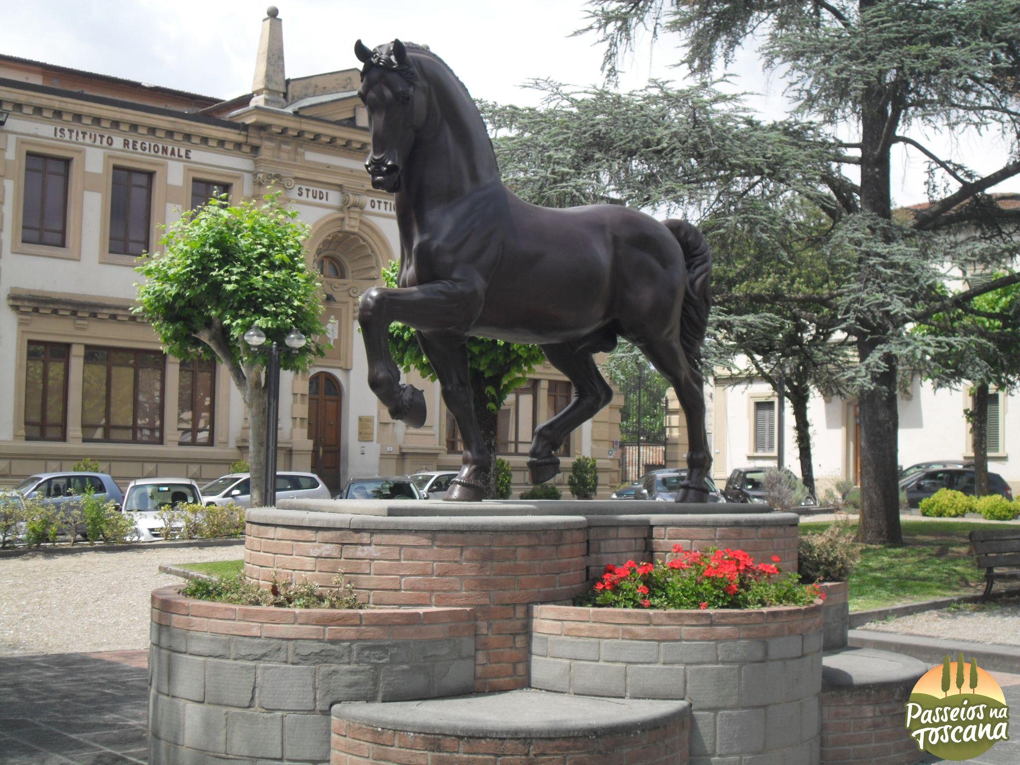 Monumento Equestre – Piazza della Libertà