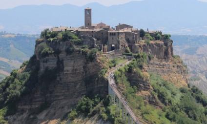 Conheça a impressionante Civita di Bagnoregio, no Lazio, entre a Toscana e a Umbria