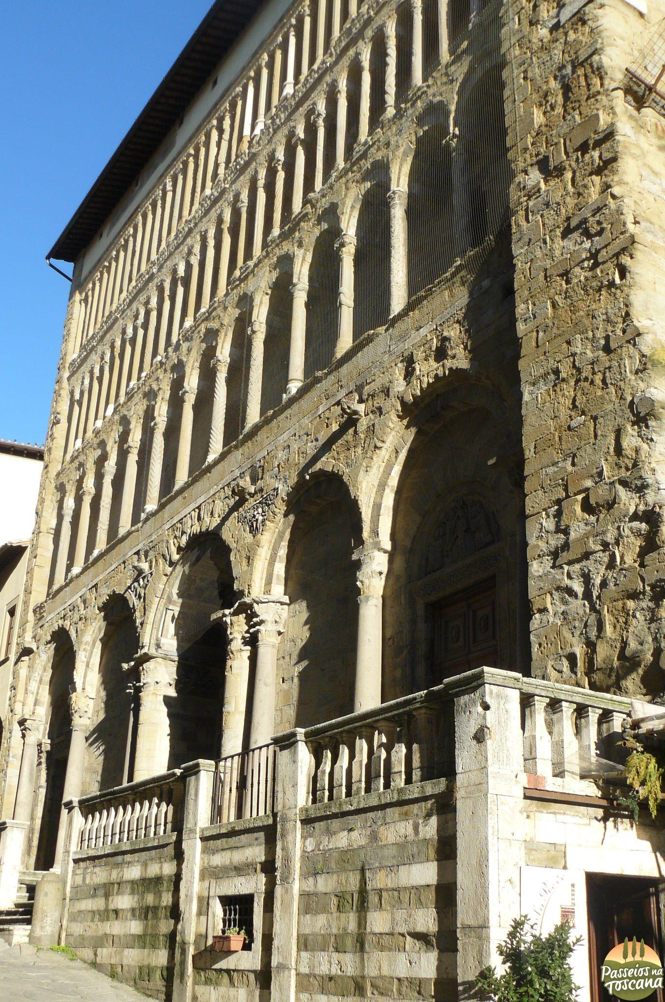 Arezzo 42 680x1024