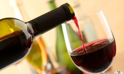 Degustação de vinhos com jantar num ambiente elegante