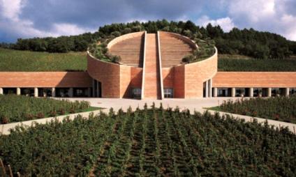 Conheça a vinícola Petra, realizada pelo arquiteto Mario Botta